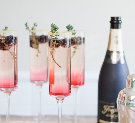 Enjoy a bespoke Cocktail as well as Champagne at The Bubbly Bar at The Glitter Studio